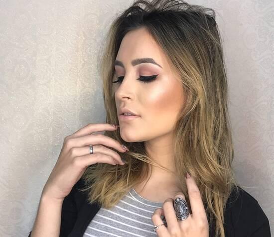 Gabriela Schulmberger Beauty Artist