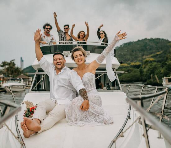Casamento   Elopement Wedding na lancha em Balneário Camboriú