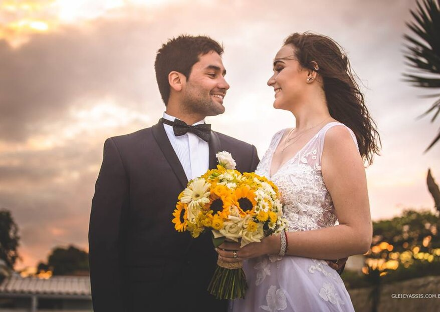 Carolina & Felipe: Casamento pertinho do mar de Búzios para celebrar a união entre uma brasileira e um chileno apaixonados