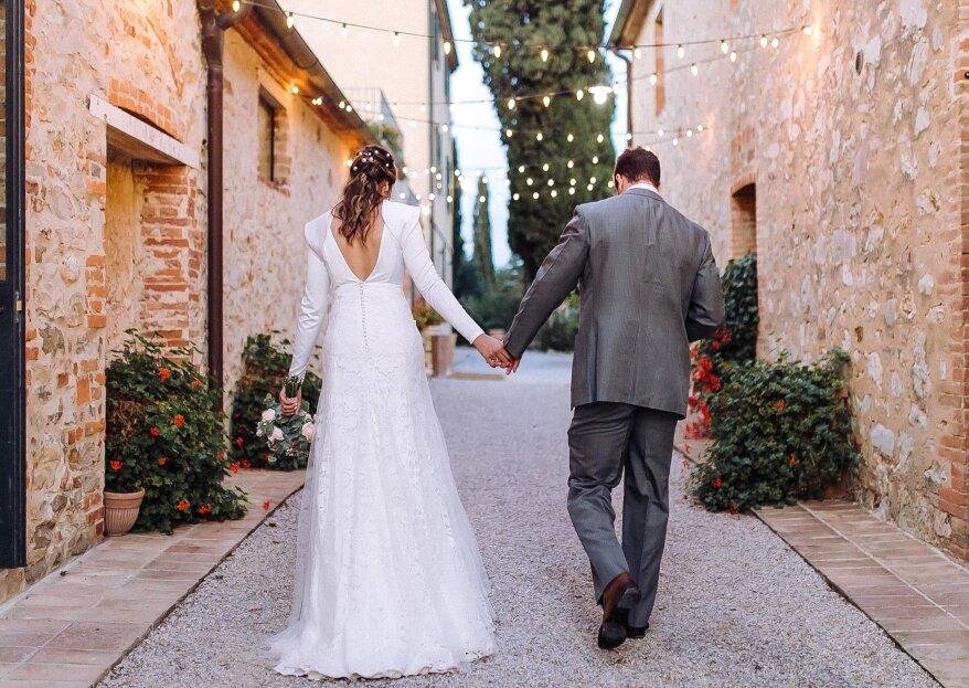 Destination wedding romântico de Melina e Thiago com vista para as pitorescas colinas de Siena