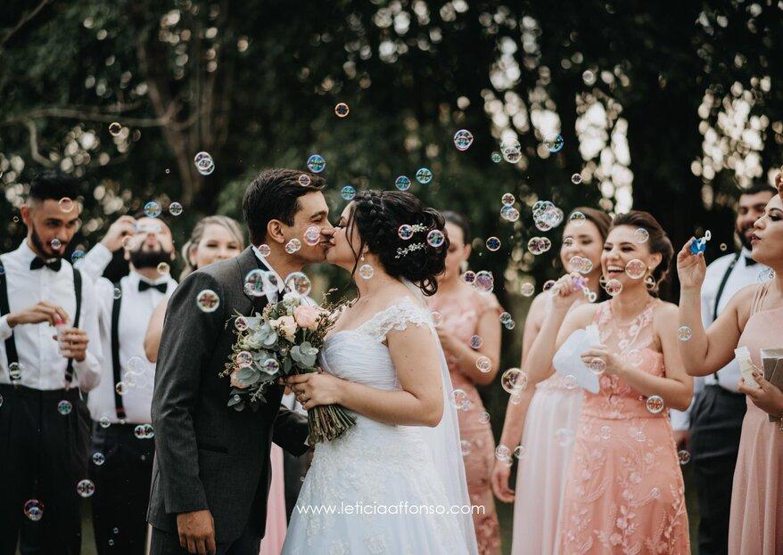 Kelly & Matheus: Decoração rústica e romântica para tornar o casamento ao ar livre ainda mais especial