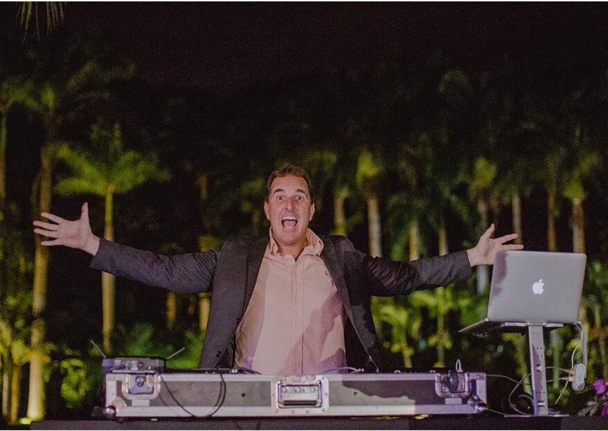 Já pensou em ter um DJ MC no casamento? Veja como garantir uma festa super animada!