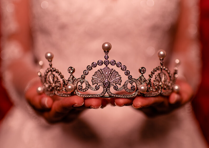 Como escolher e usar uma coroa de noiva? Confira estas dicas!
